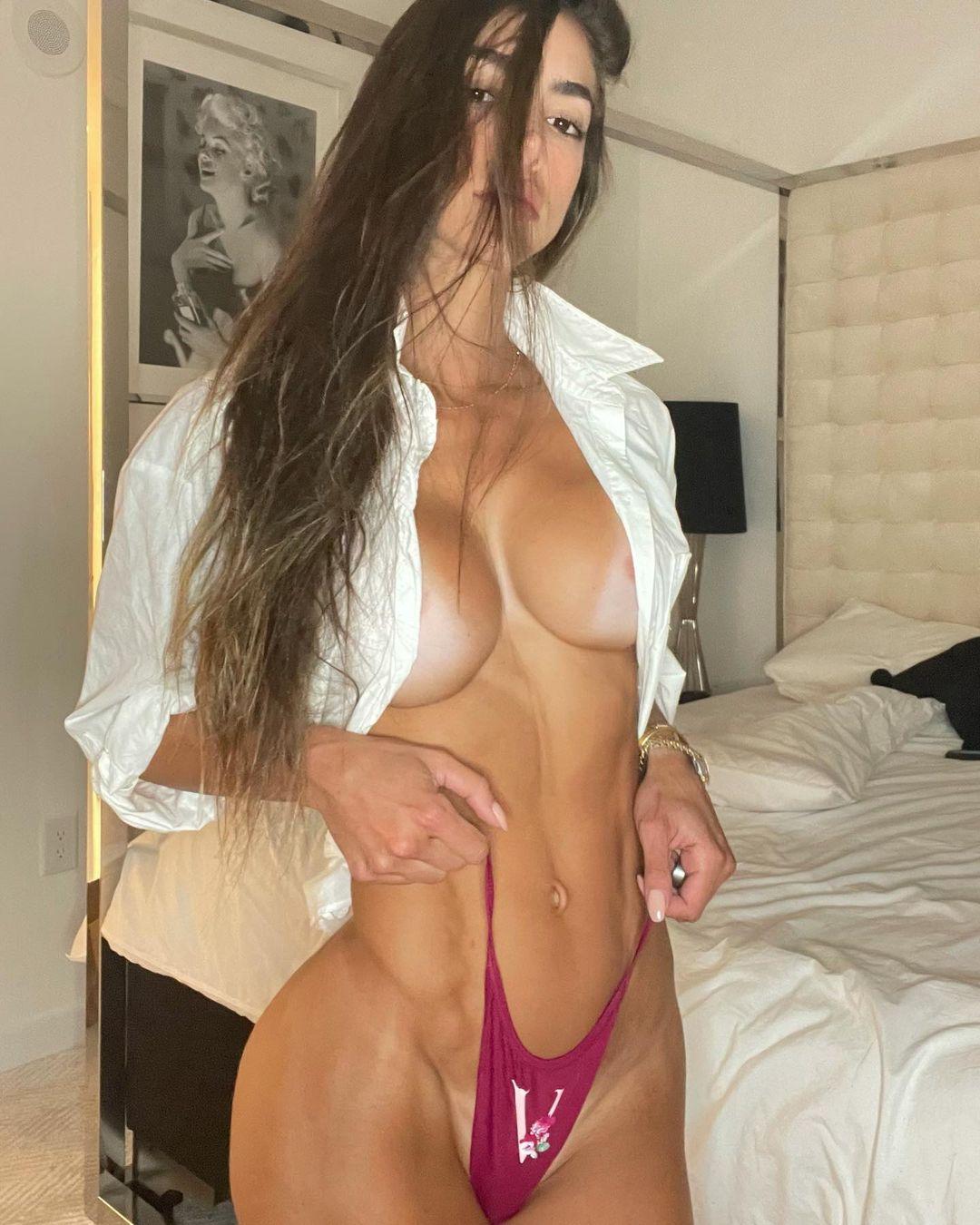 Anllela nackt Sagra 60 Sexy